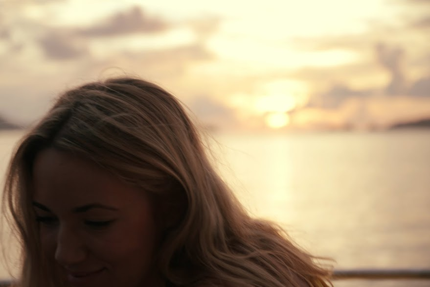 sunset-boat-the-travelista-blog-jess-gibson