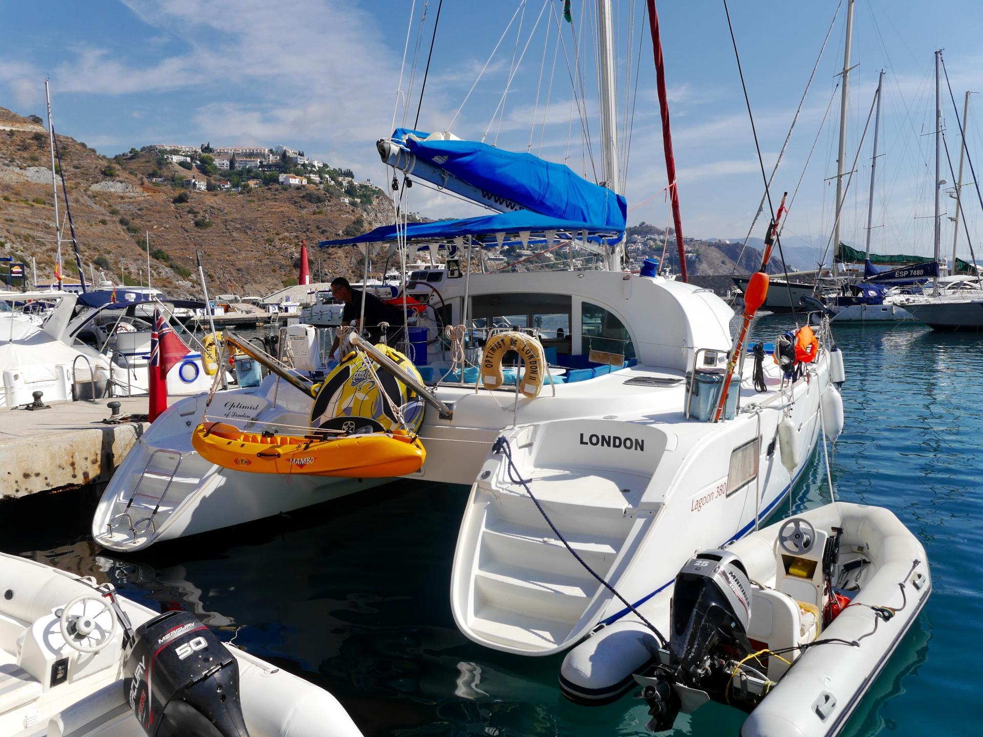 almunecar-catamaran-sailing