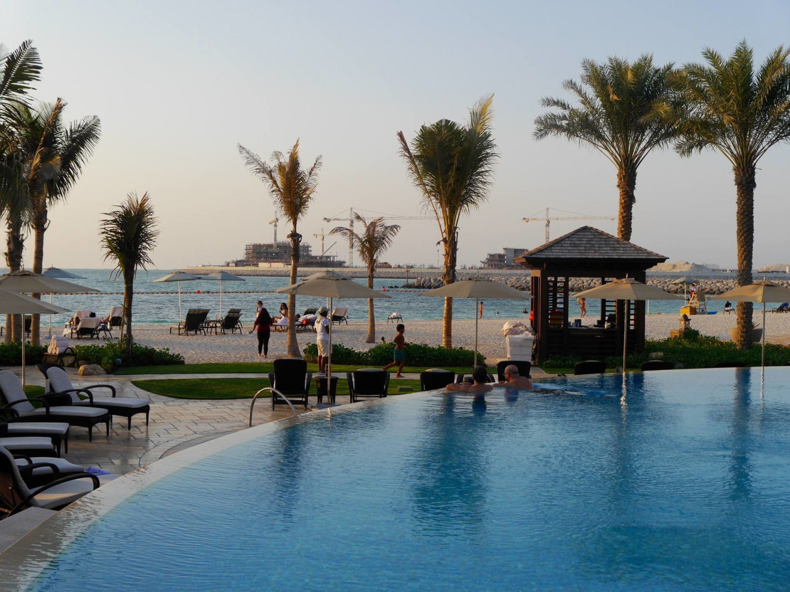 four-seasons-dubai-pool2
