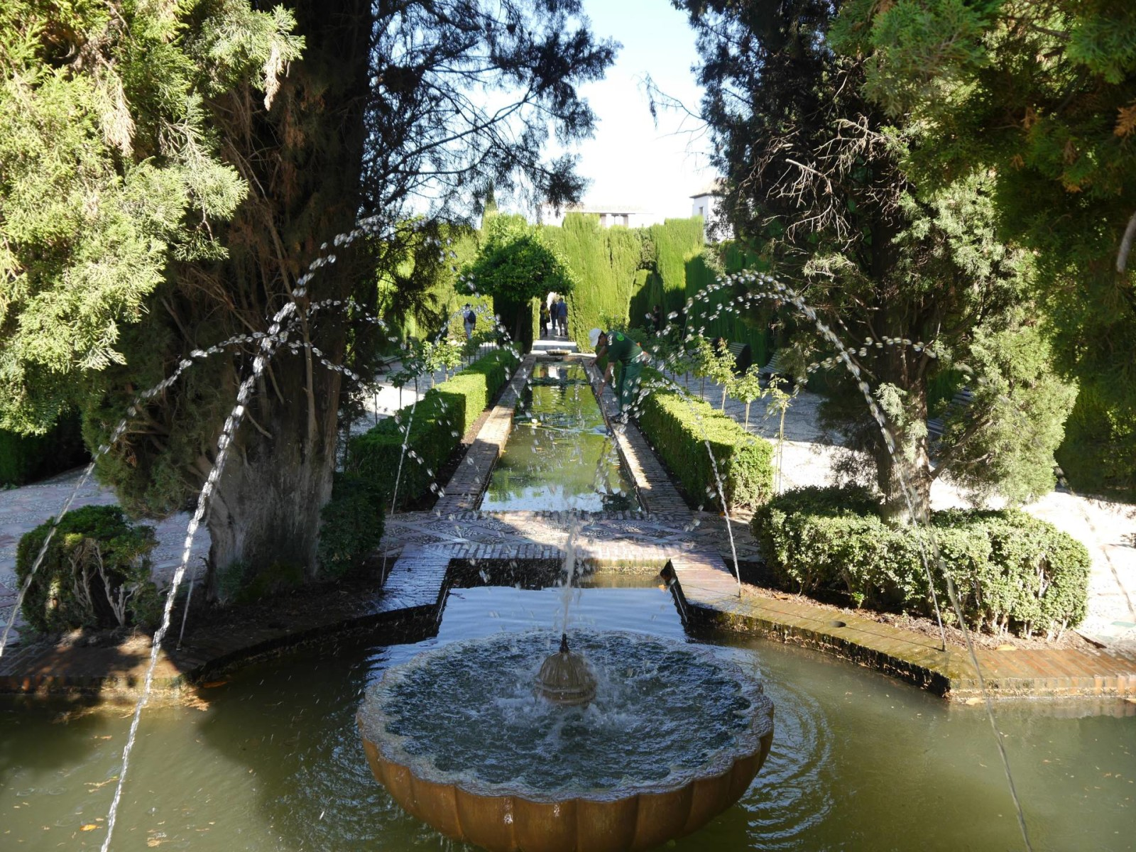 the-alhambra-palace-gardens