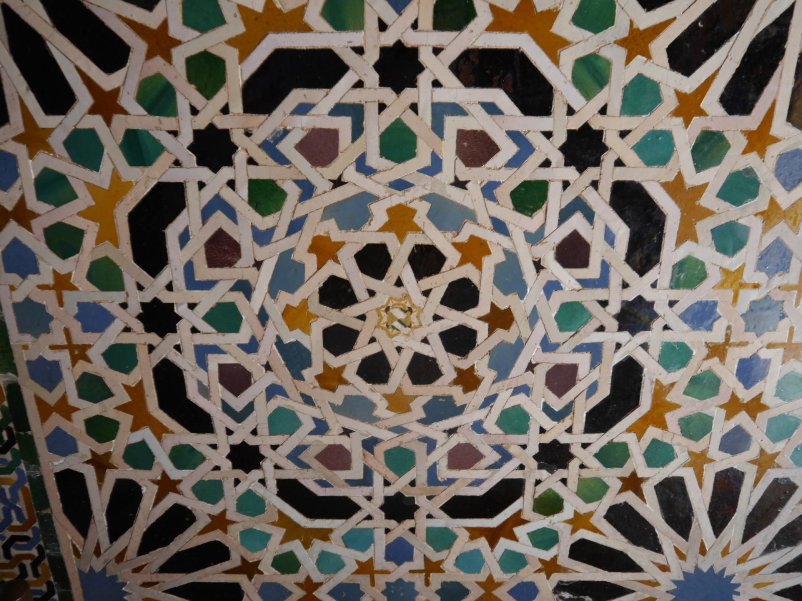 the-alhambra-palace-mosaic-tiles
