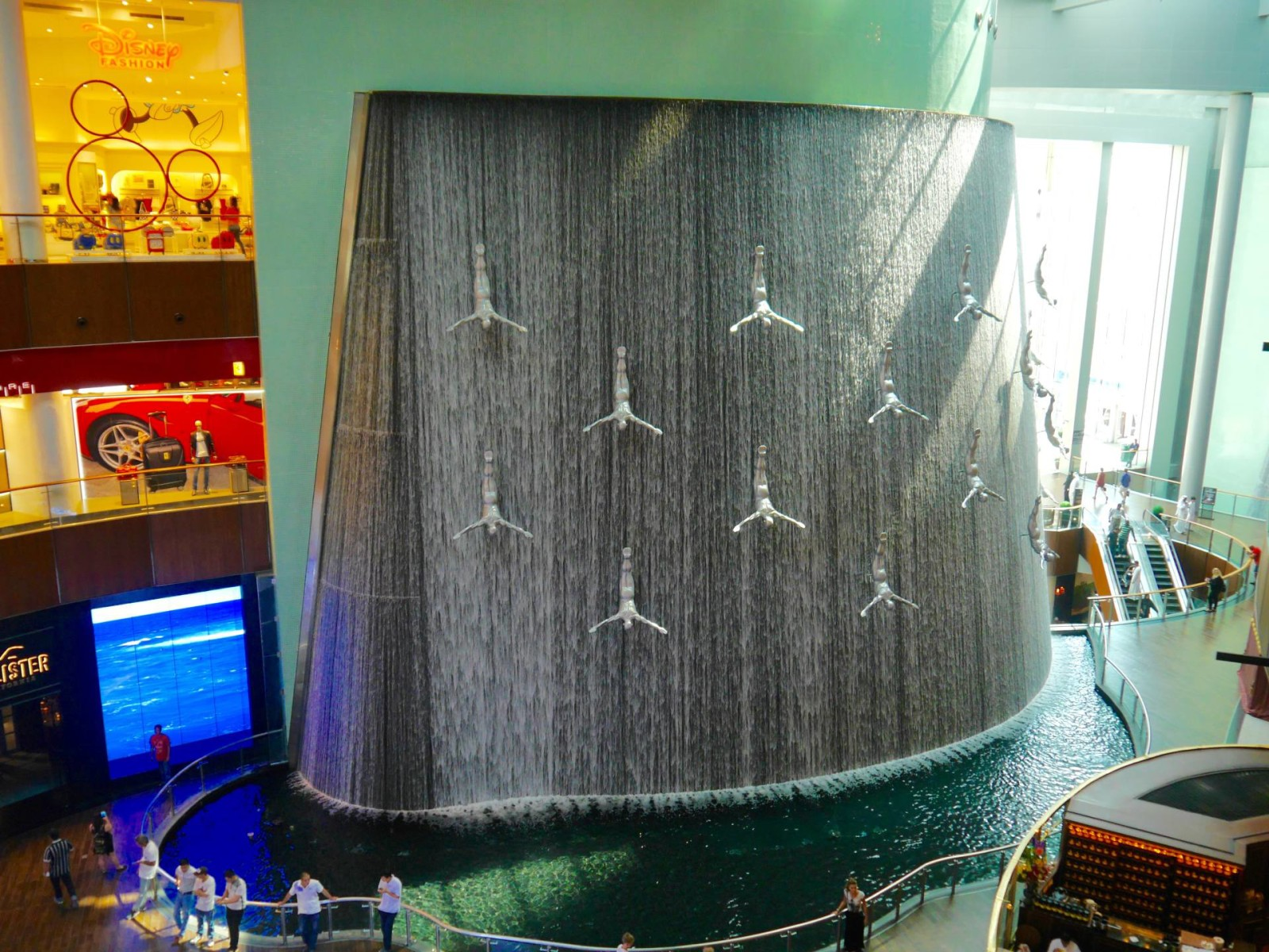 dubai-mall-waterfall-fountain