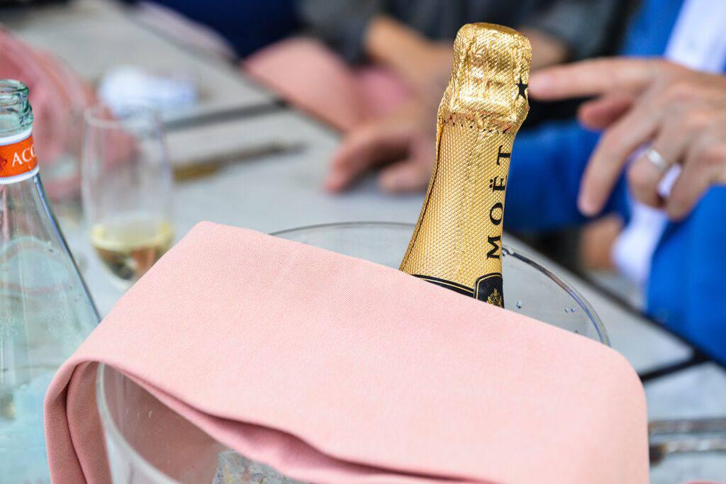 moet-champagne-al-qsar-brunch-jumeirah-madinat