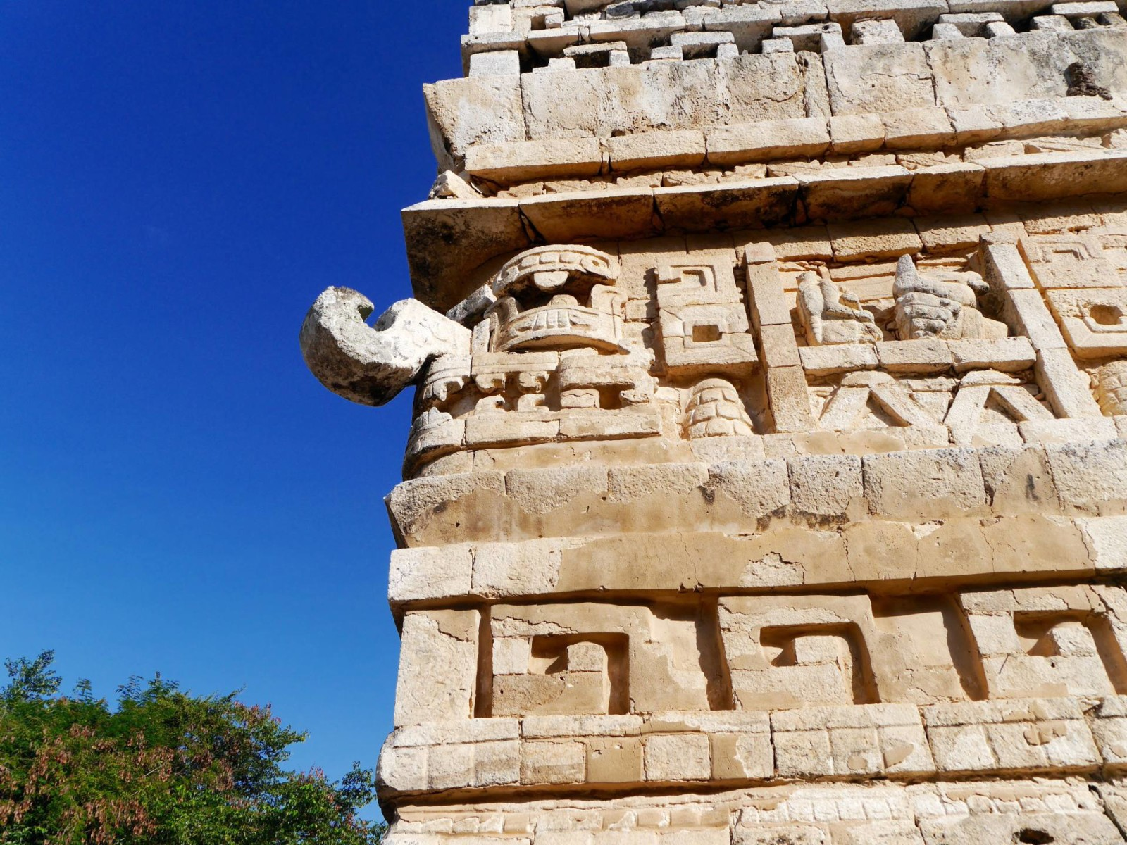 chichen-itza-mexico-mayan-carving