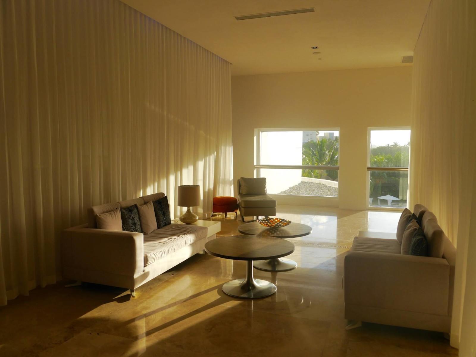 le-blanc-spa-hotel-cancn-lobby