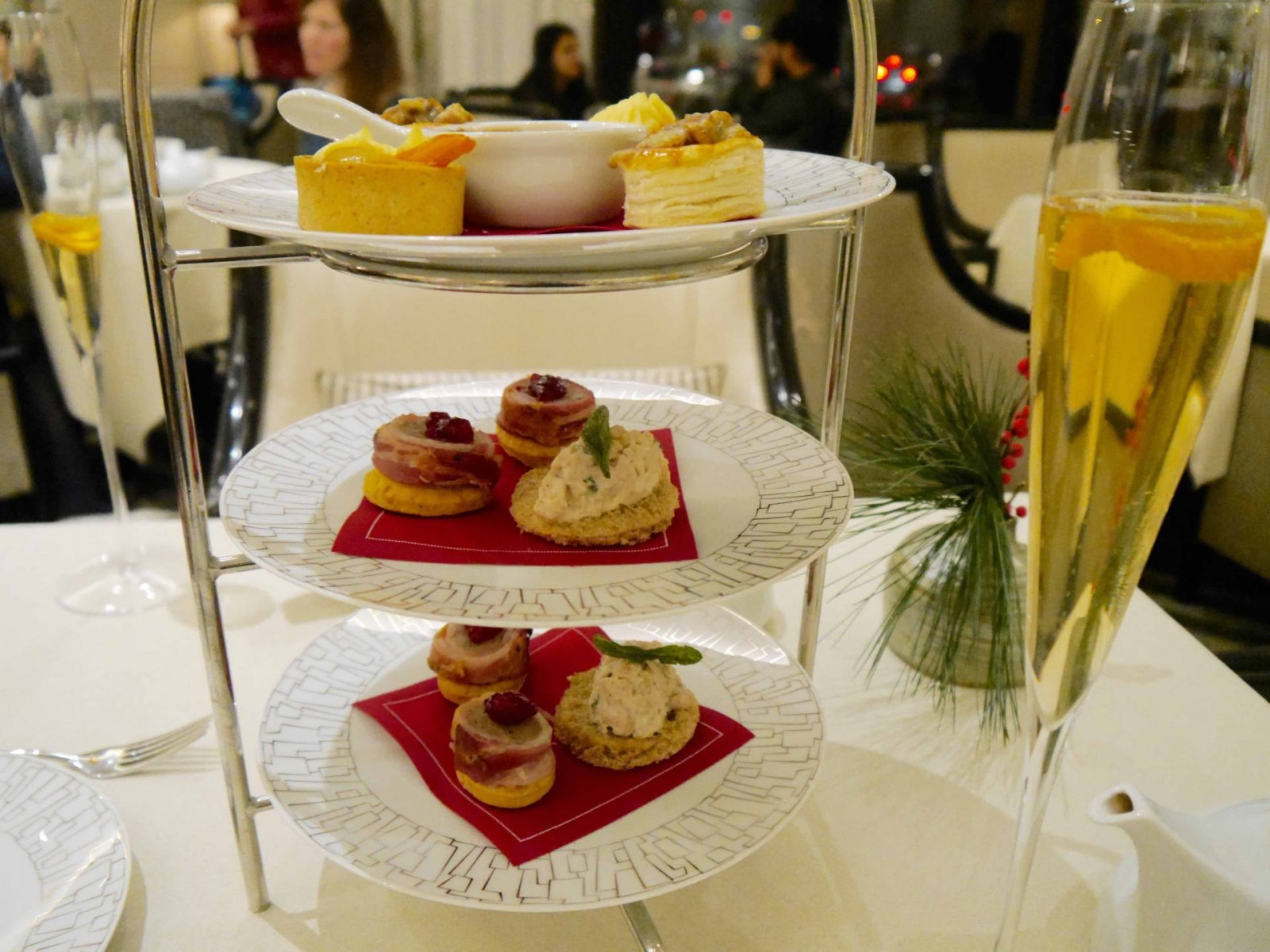 1intercontinental-park-lane-afternoon-tea2