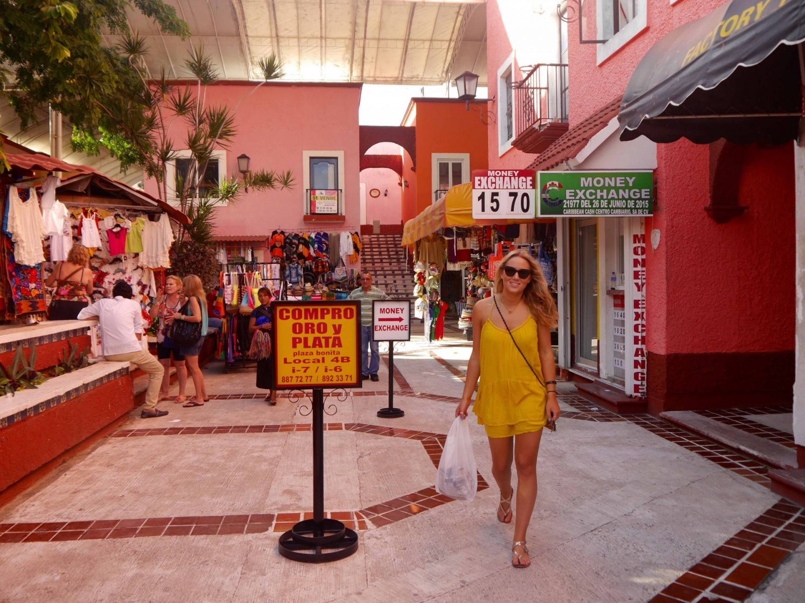 jess-gibson-the-travelista-mexico-cancun-market28-low2