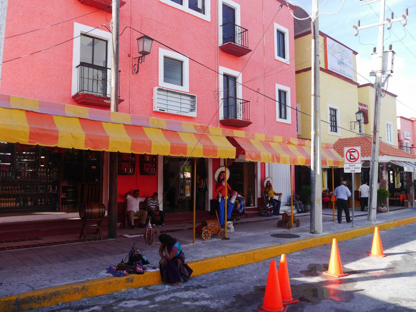 market-28-cancun-low