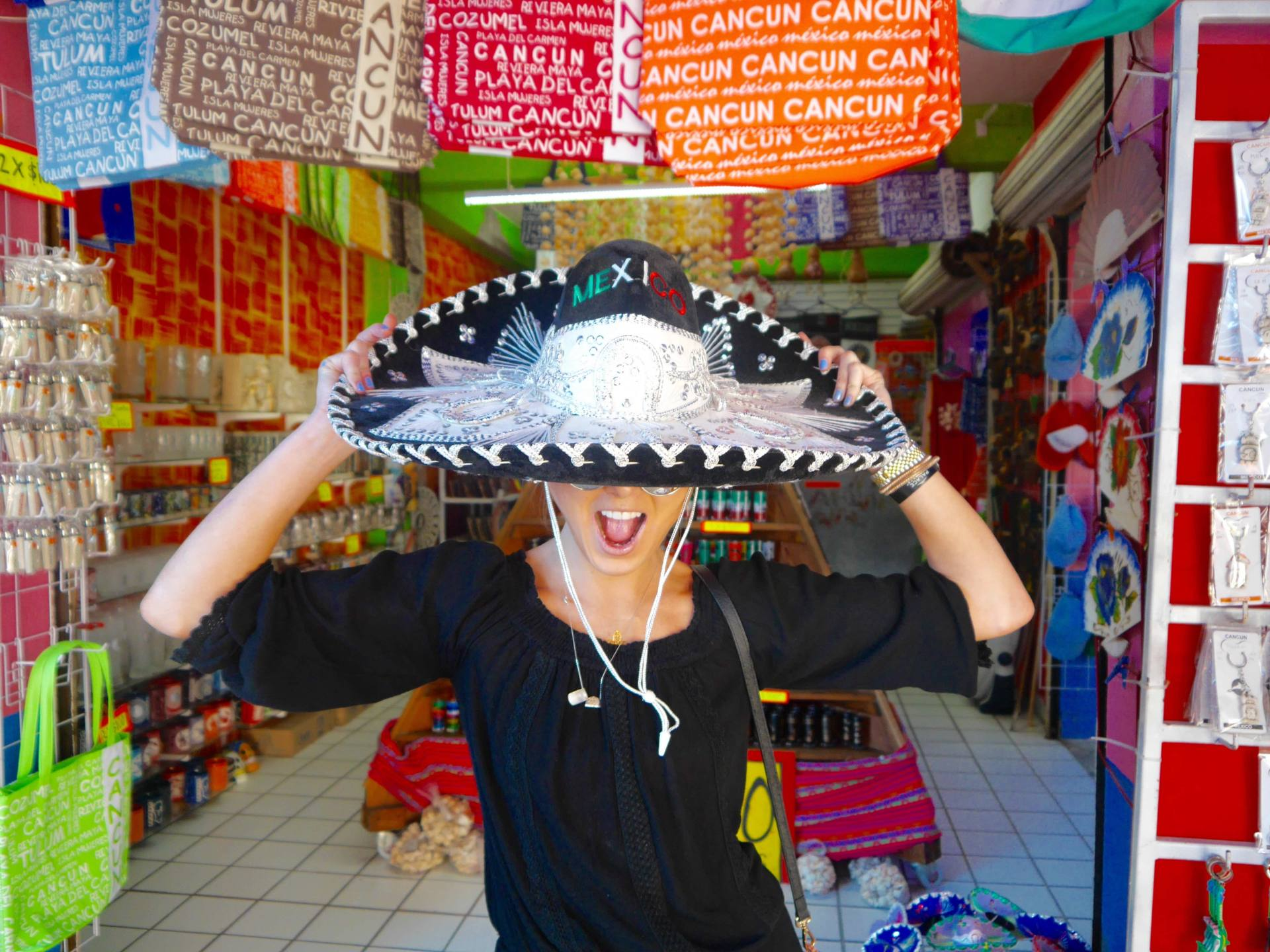 the-travelista-cancun-market-28-sombrero-low