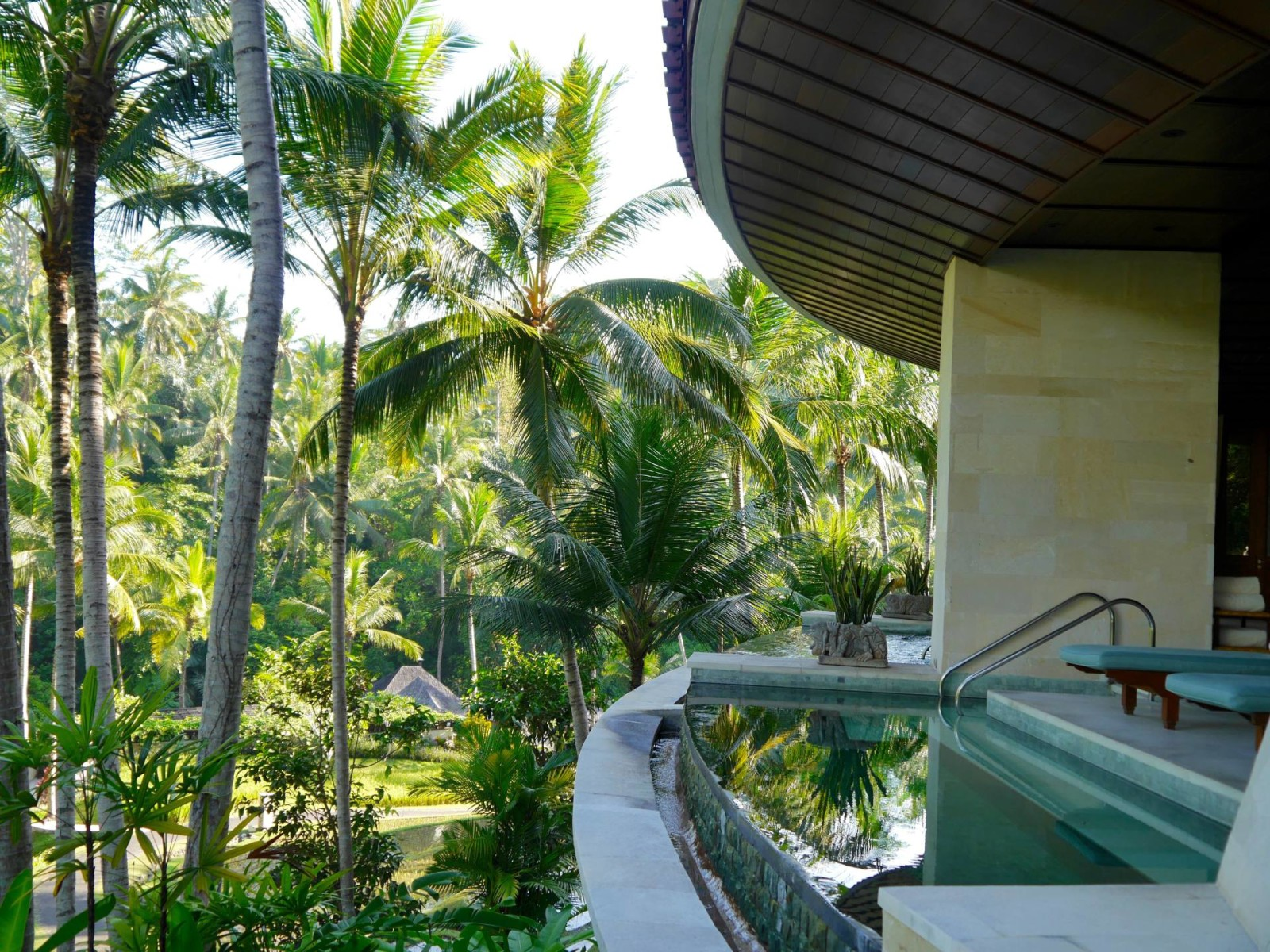 A spiritual escape four seasons resort bali at sayan for Top hotels in ubud bali