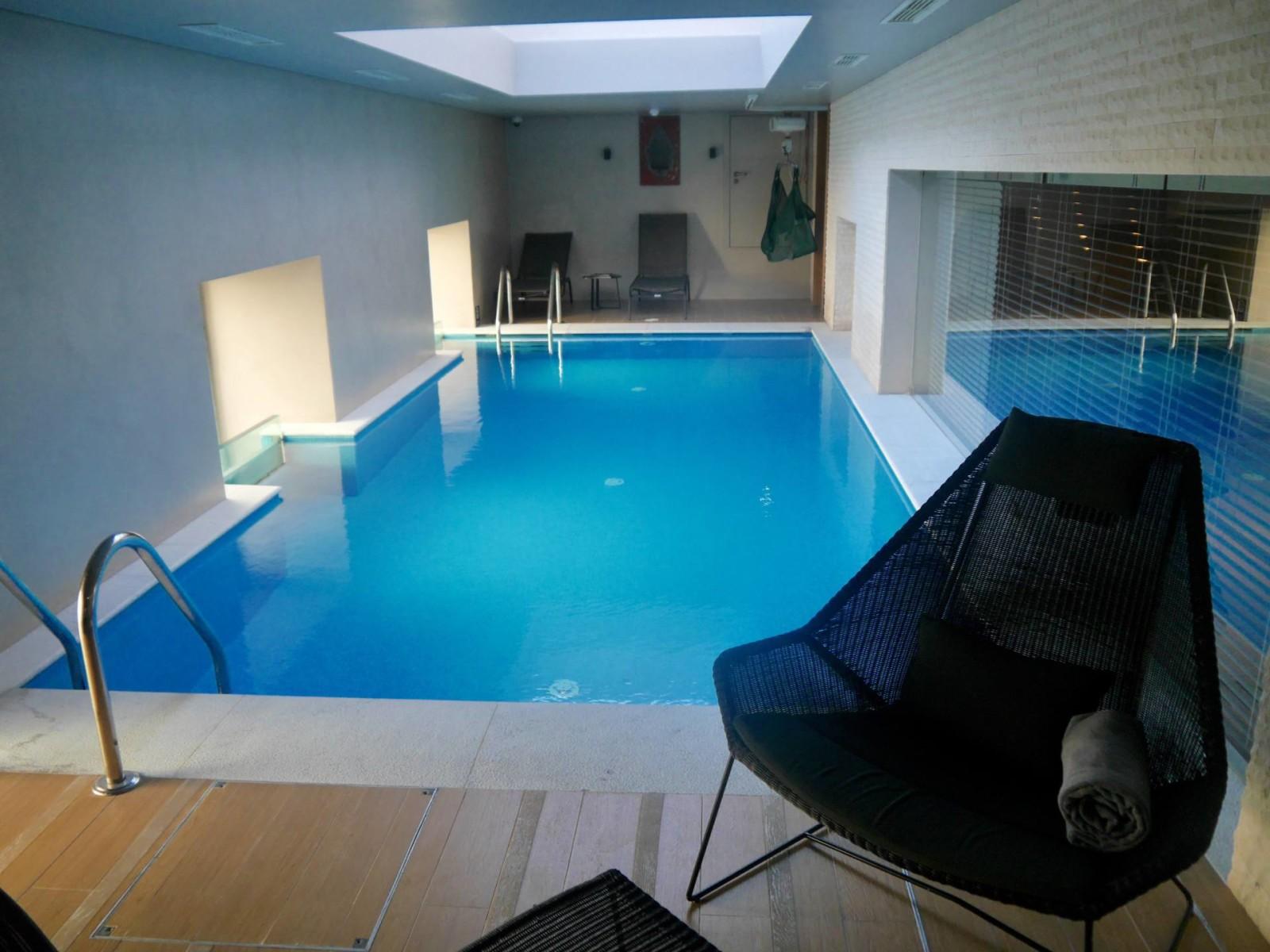 Pousada de lisboa lisbon hotel review for Lisbon boutique hotel swimming pool