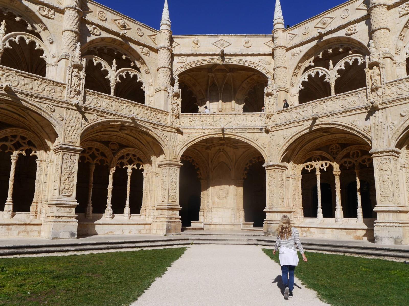 the-travelista-jess-gibson-jeronimos-monastery-lisbon