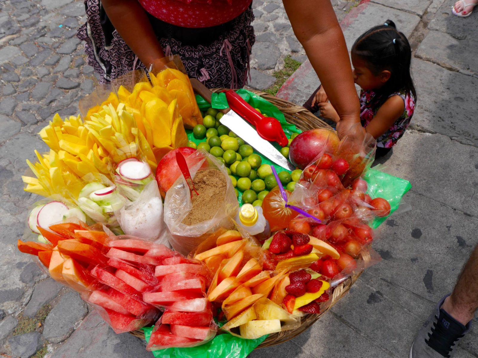 antigua-guatemala-fruit-street-food