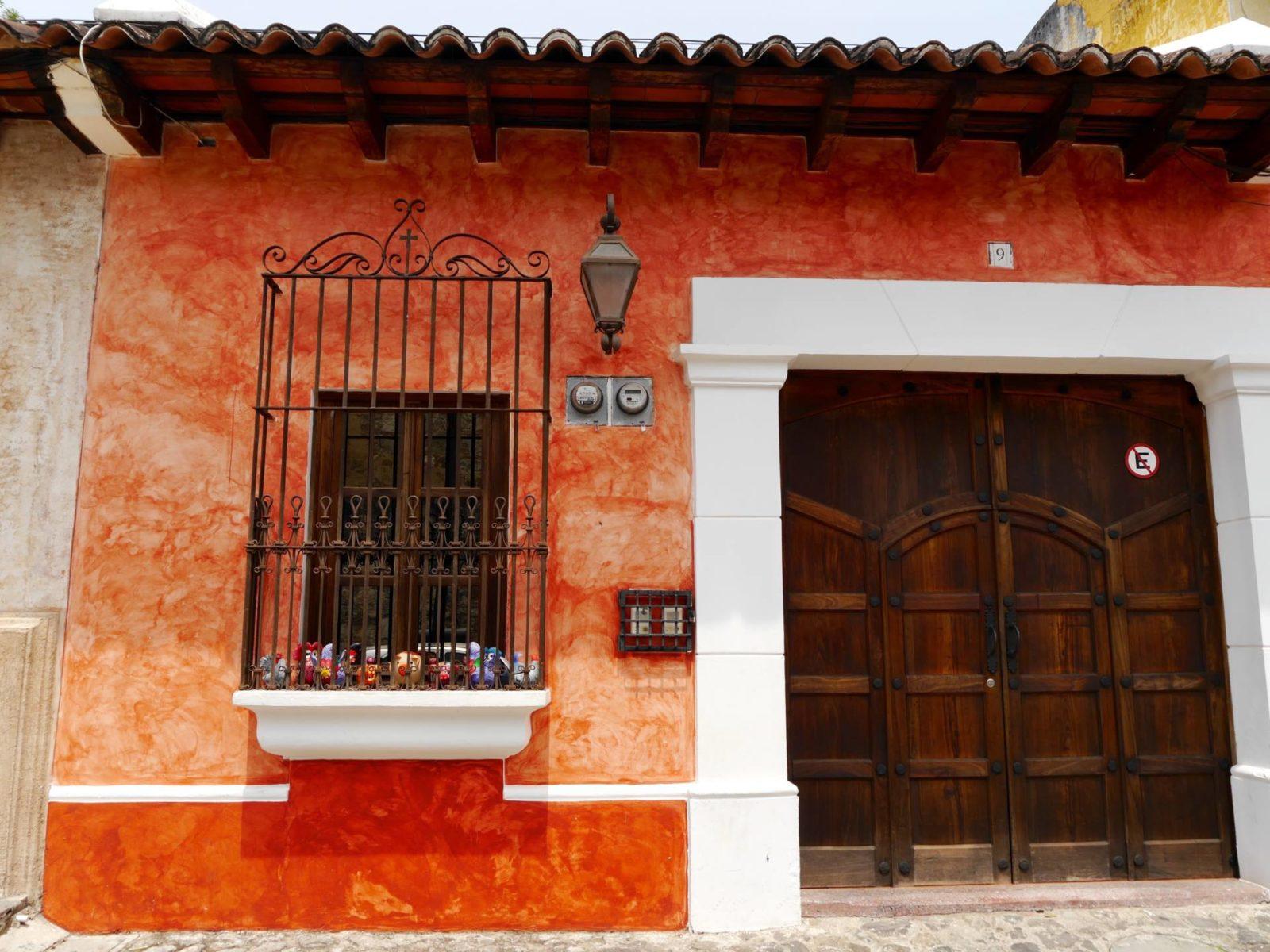antigua-guatemala-houses