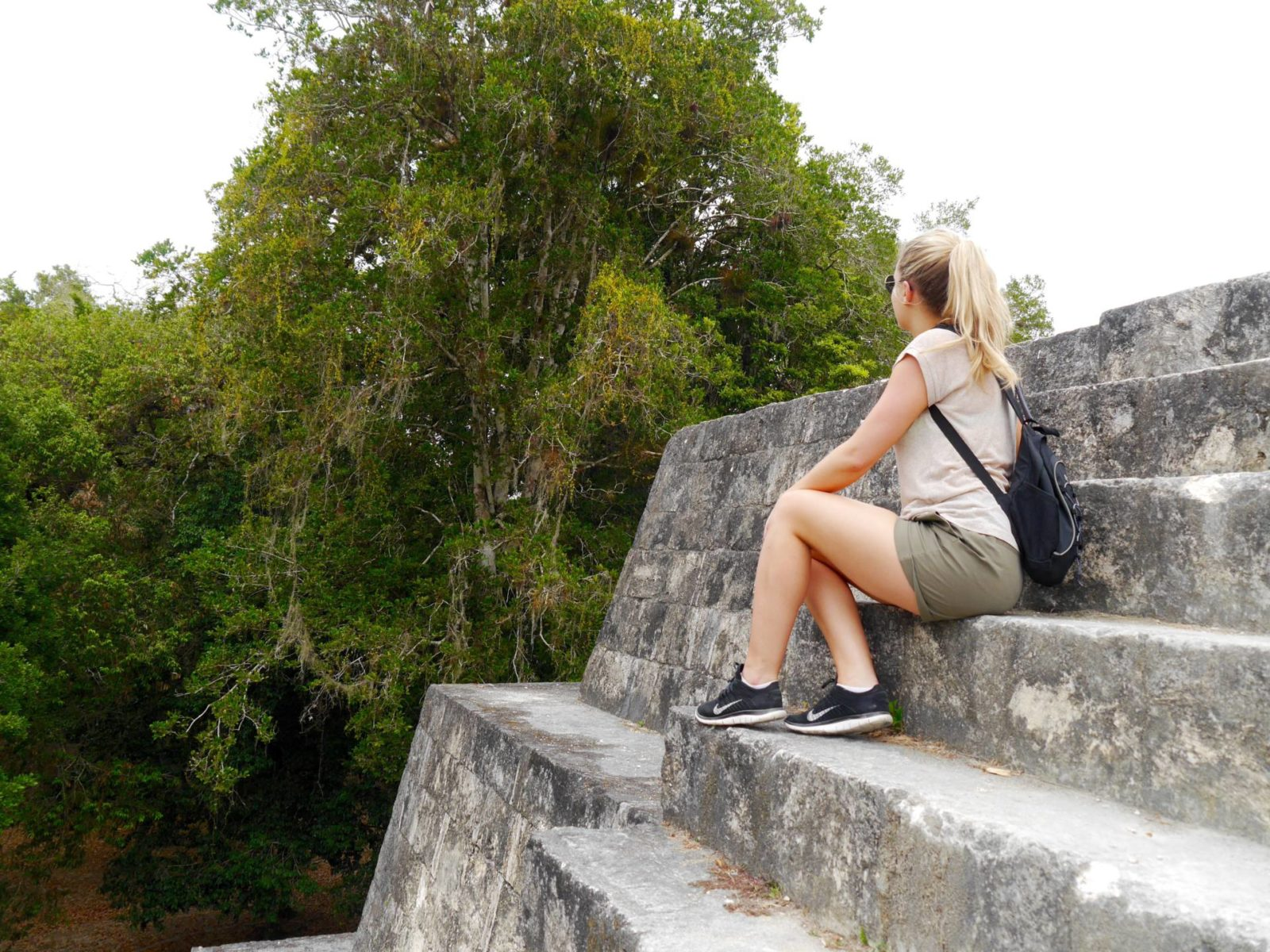 jess-gibson-the-travelista-tikal