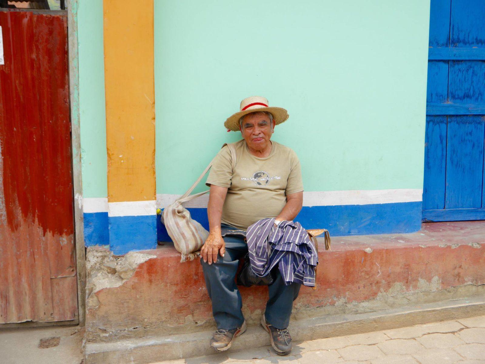 san-juan-la-laguna-guatemala-man
