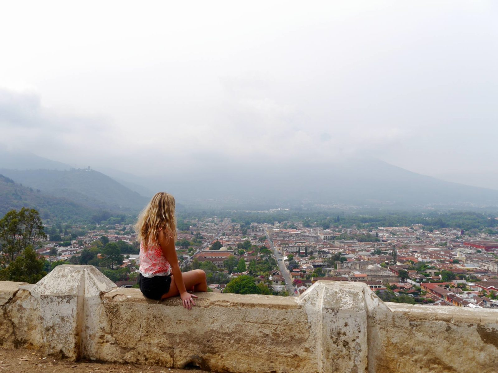 the-travelista-jess-gibson-guatemala-antigua