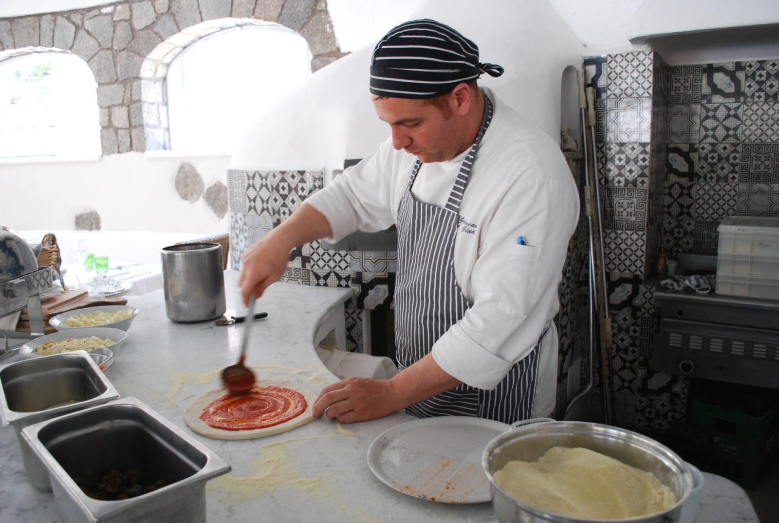 garden-villas-resport-ischia-pizza-making