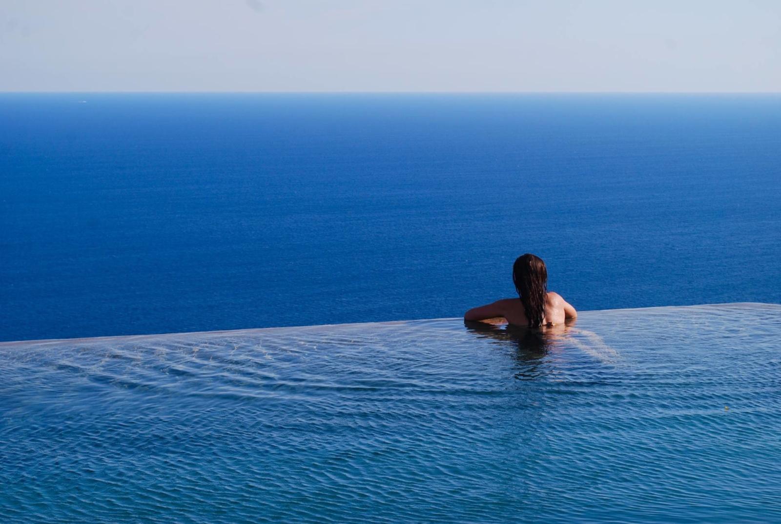 monastero-santa-rosa-amalfi-review-infinity-pool