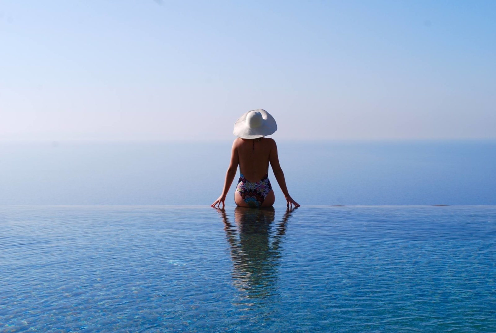 monastero-santa-rosa-amalfi-the-travelista-jess-gibson-infinity-pool