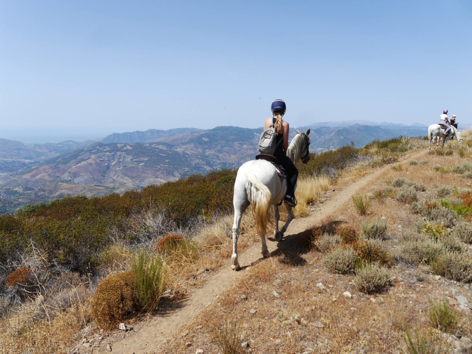 horse-riding-caballo-blanco-alpujarras