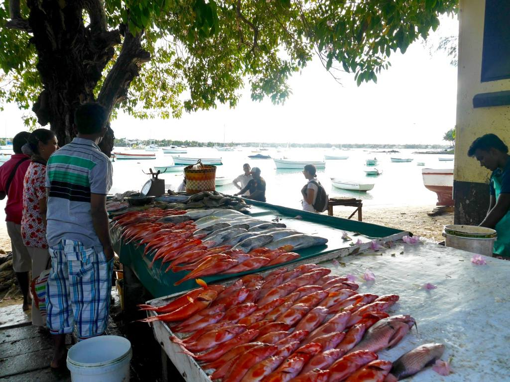 grand-baie-fish-market-mauritius2