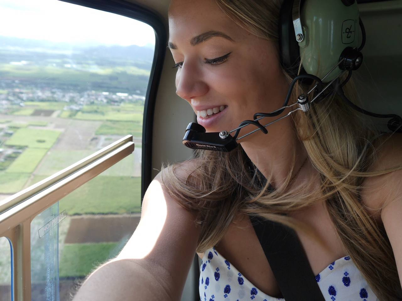 jess-gibson-the-travelista-blog-helicopter-mauritius