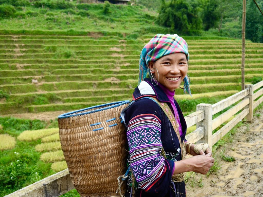 hmong-women-sapa-trekking-vietnam