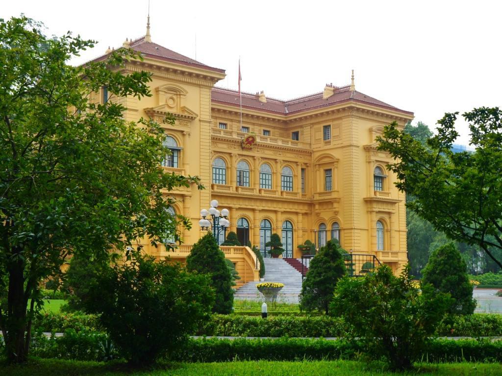 ho-chi-minh-hanoi-mausoleum