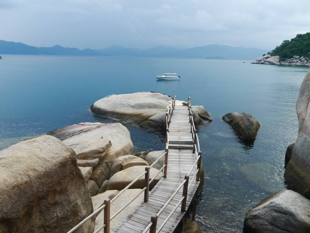 six-senses-ninh-van-bay-vietnam-rock-pool-villa
