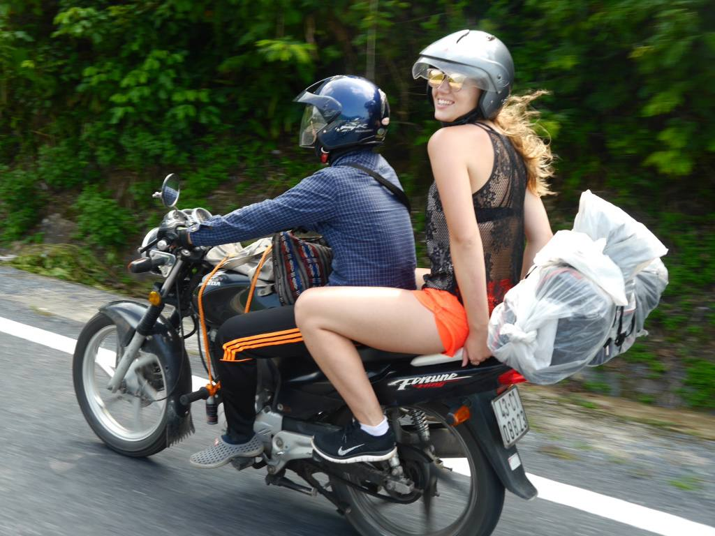 the-travelista-jess-gibson-easy-riders-vietnam-hai-van-pass