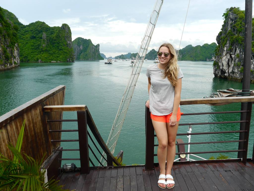 the-travelista-jess-gibson-travel-blog-halong-bay-cruise