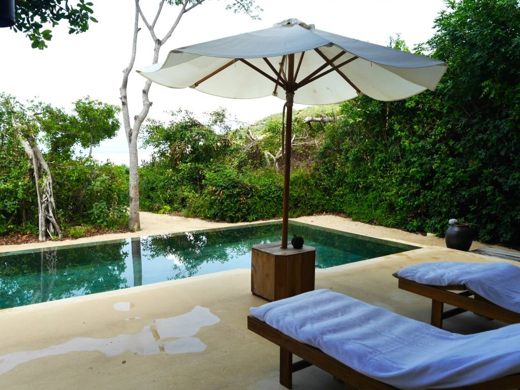 the-travelista-six-senses-ninh-van-bay-beach-villa-pool