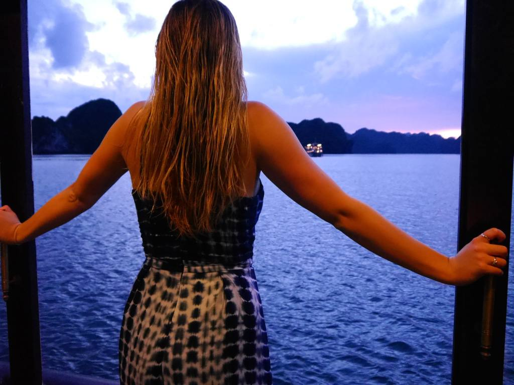the-trravelista-jess-gibson-travel-blog-halong-bay-cruise-vietnam
