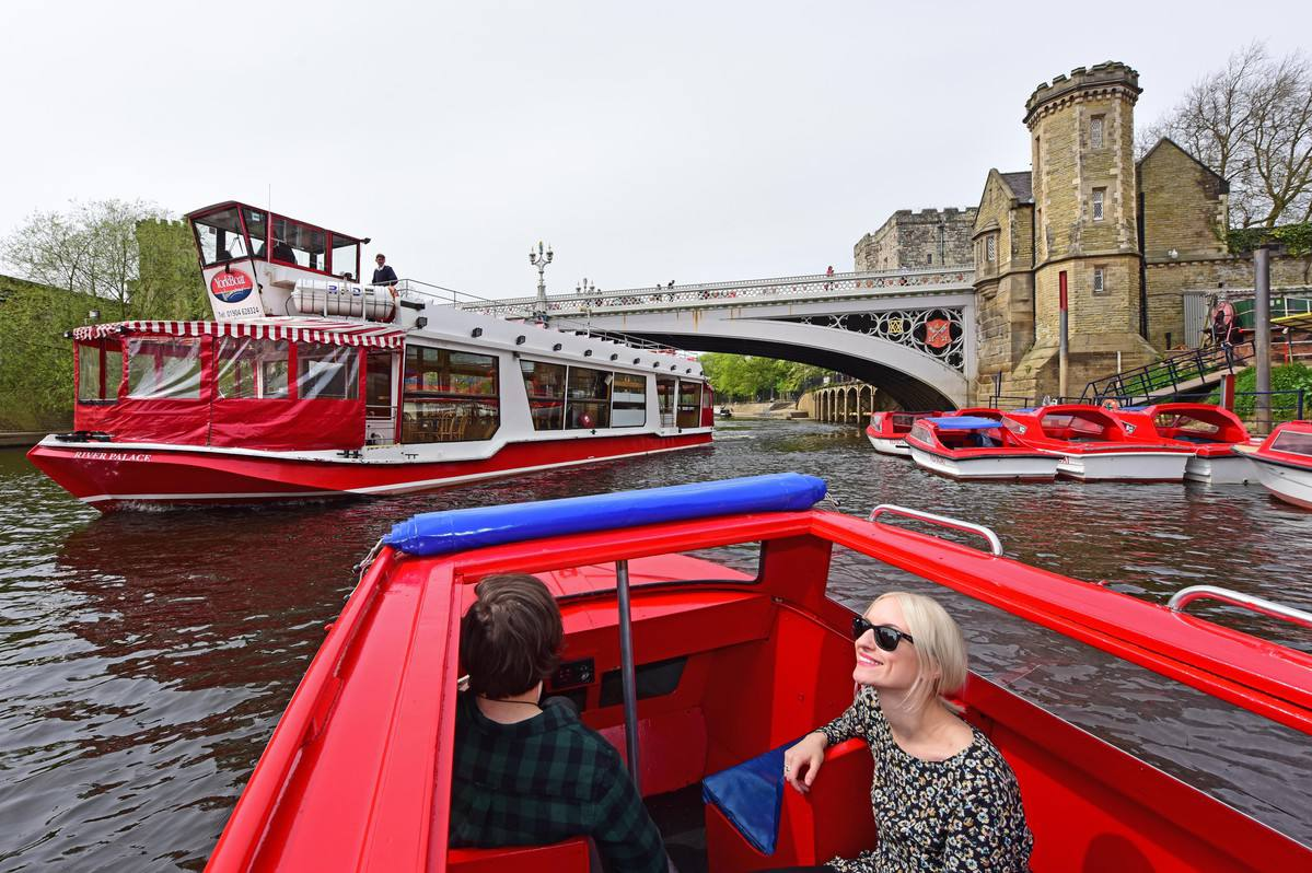 little-red-boat-york