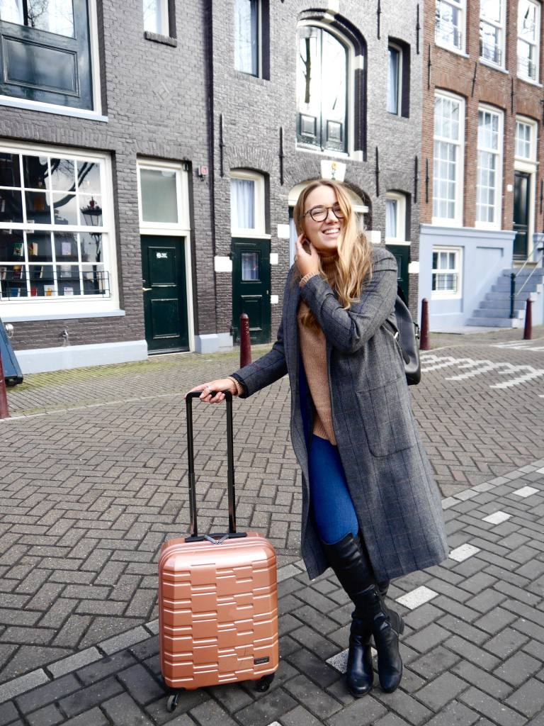 pulitzer-amsterdam-review-the-travelista-antler-prism-case
