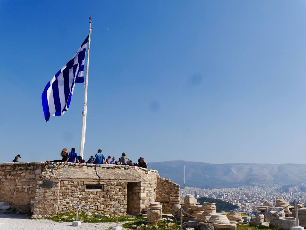 acropolis-athens-greek-flag