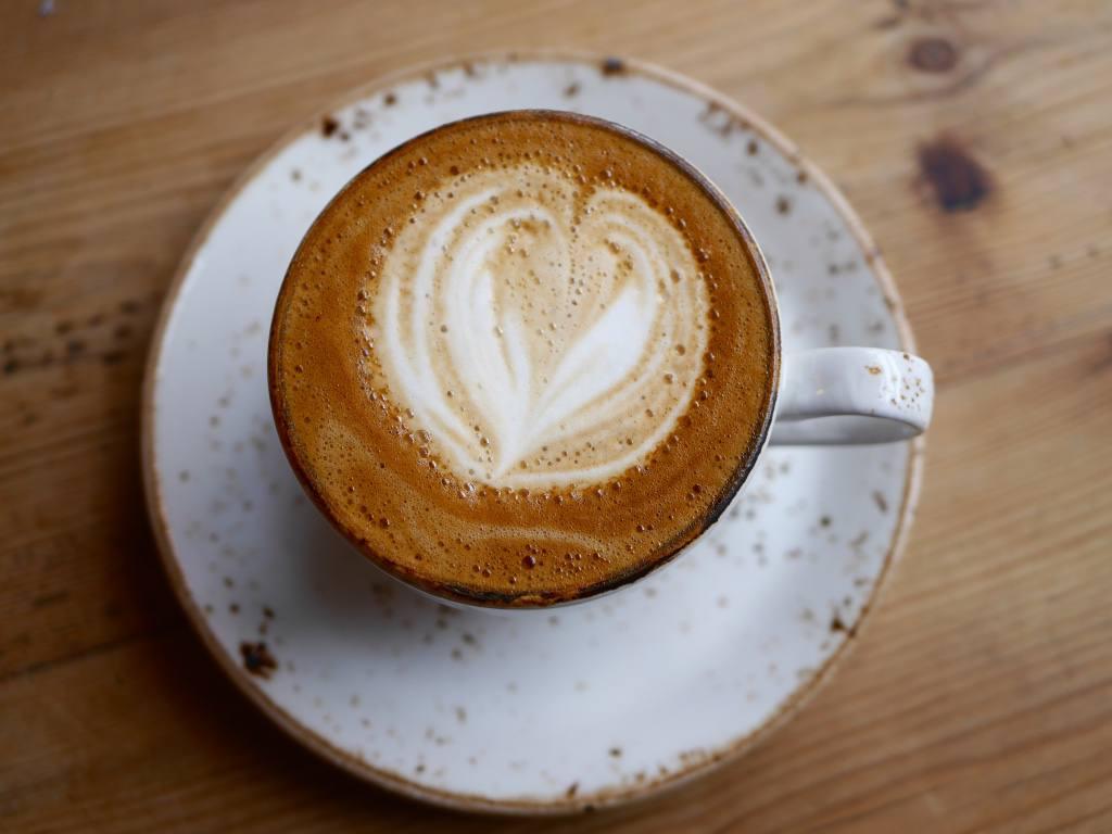 flat-white-coffee-flatlay