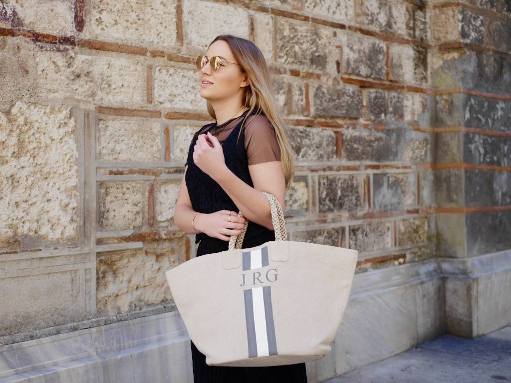 rae-feather-canvas-bag-jess-gibson-the-travelista-blog-giveaway1
