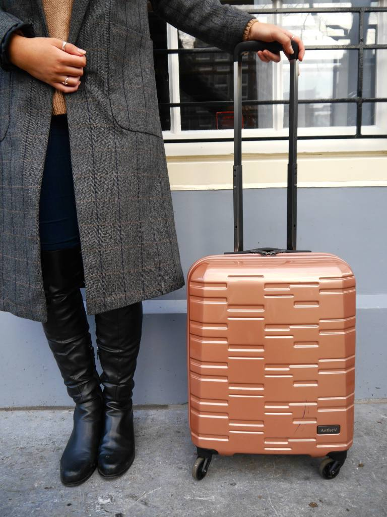 antler-prism-suitcase-rose-gold-the-travelista