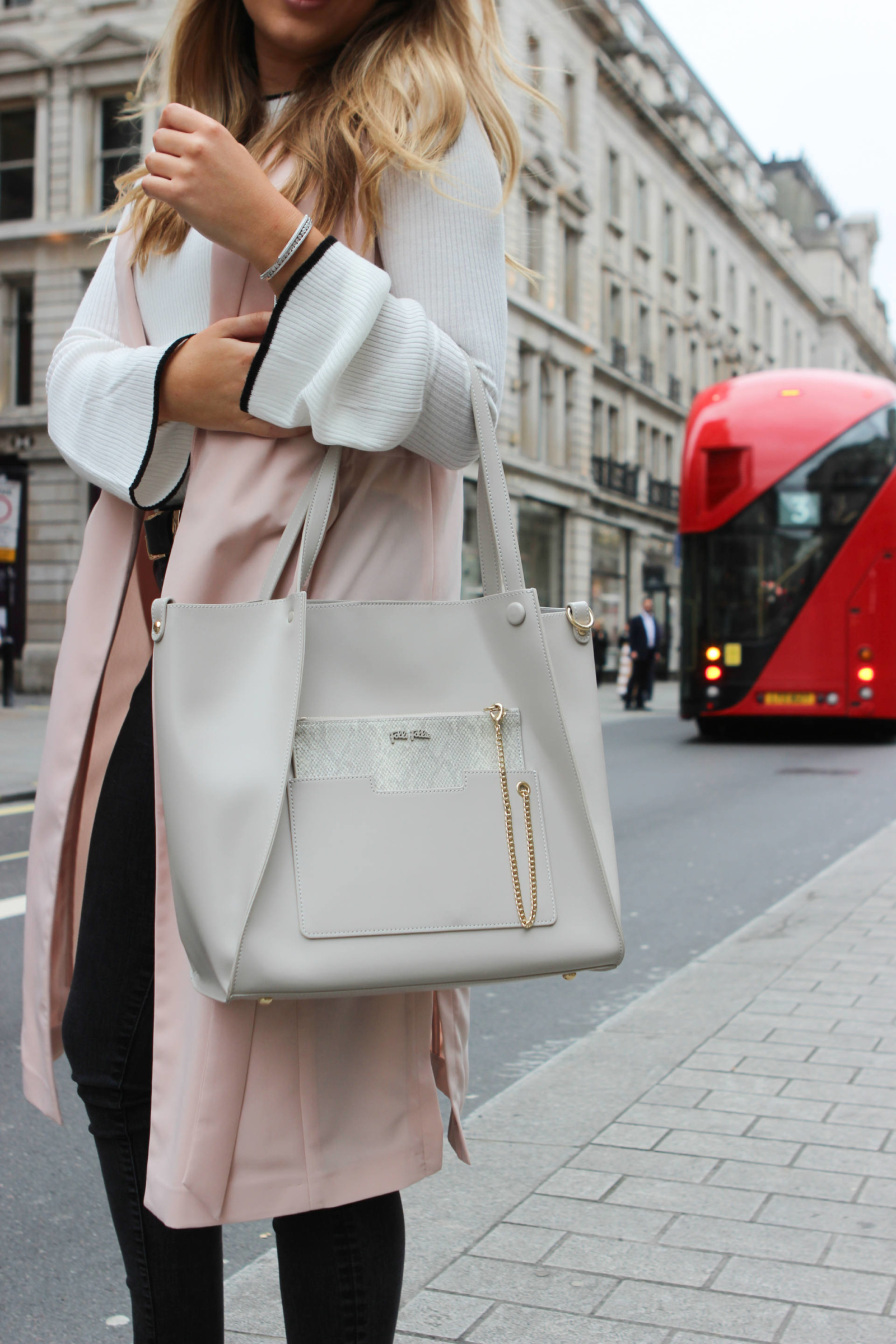 folli-follie-on-the-go-bag-cream-the-travelista)