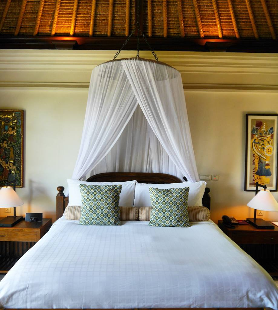 Top 12 Luxurious Hotel Beds From Around The World