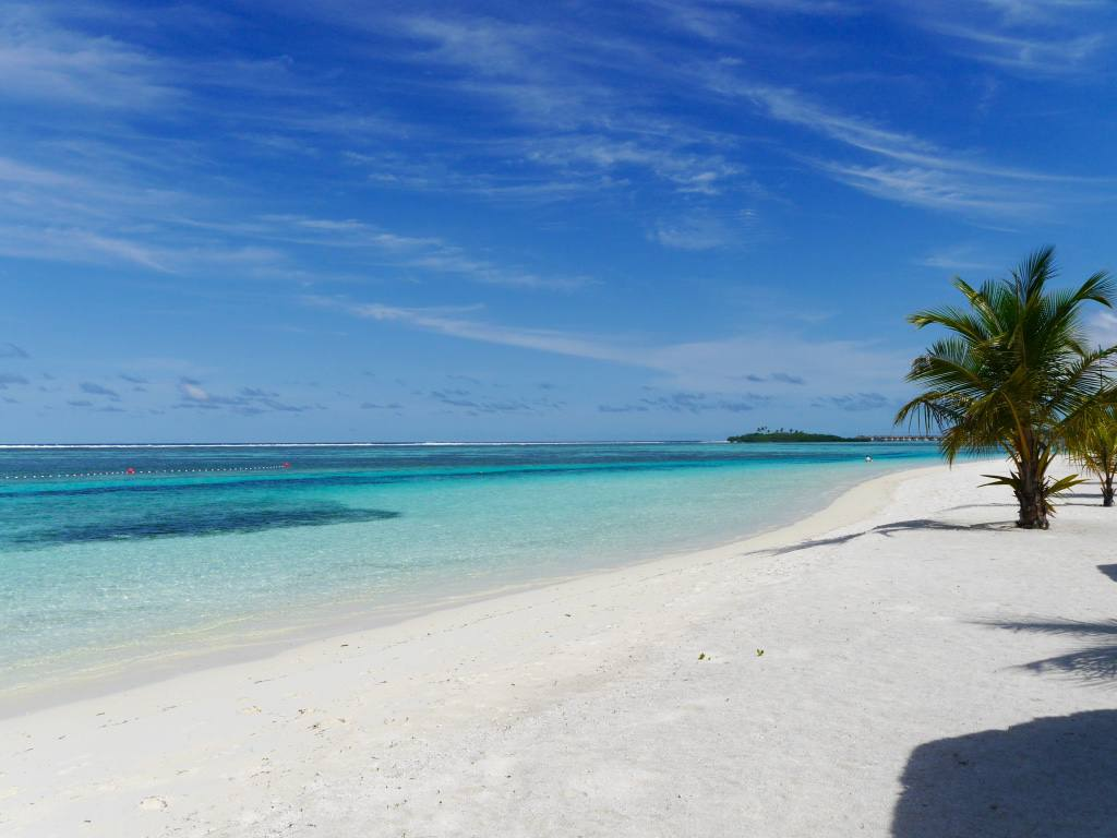 four-seasons-kuda-huraa-maldives-beach