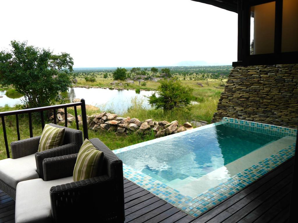 four-seasons-serengeti-tanzania-villa-pool