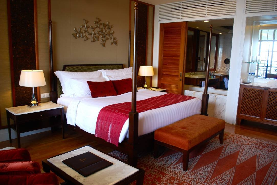 the-danna-langkawi-malaysia-bed