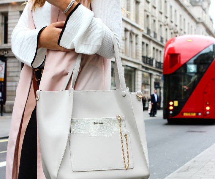 6 Spring Accessories for The Stylish Traveller