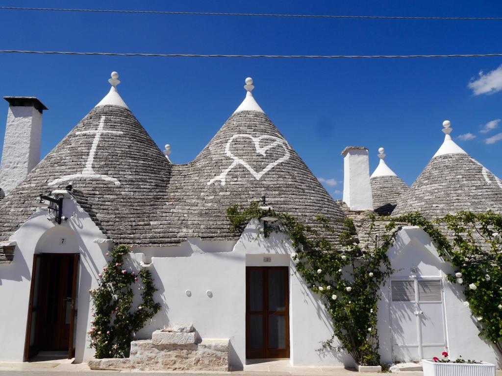 alberobello-truli-houses