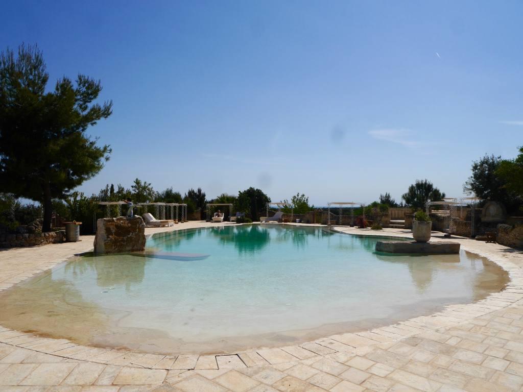 masseria-montanapoleone-puglia-italy-pool