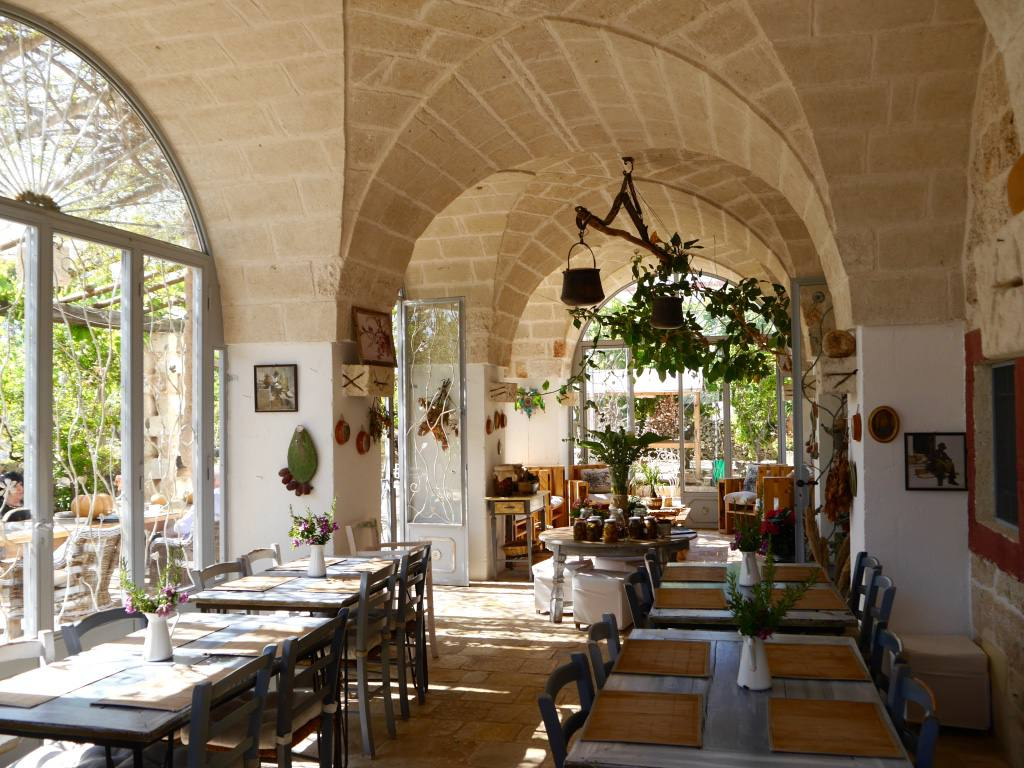 masseria-montenapoleone-breakfast-room