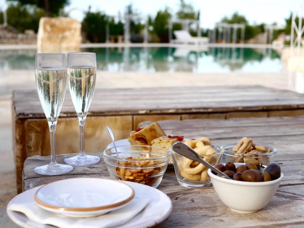masseria-montenapoleone-poolside